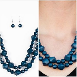 GALAPAGOS GLAM BLUE WOODEN NECKLACE/EARRING SET